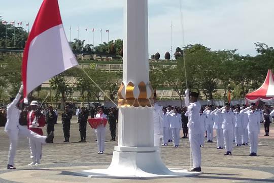 <p>Suasana pelaksanaan Upacara Peringatan HUT RI ke 74, yang dipimpin Bupati Rohul H. Sukiman.</p>