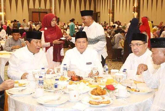 Bupati Sukiman Buka Puasa Bersama HKR di Pekanbaru