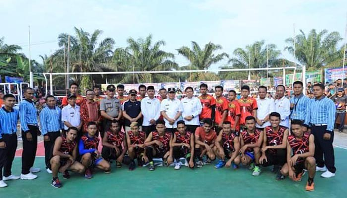 Bupati buka Open Turnamen Volley Ball Rambah Jaya CUP I 2019