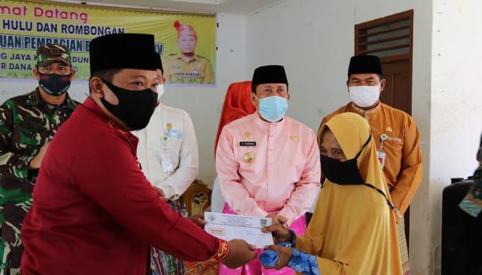 Bupati Sukiman Perjuangkan Standar Harga Jual TBS dan Jalan Poros desa Tapung Jaya