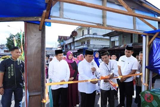 Bupati dan Sekda Resmikan Pasar Ramadan di Pasar Lama Pasir Pangaraian