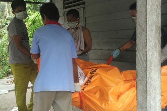 Diduga Stroke, Haji Pumpen Desa RTB Rohul ditemukan membusuk Dirumahnya