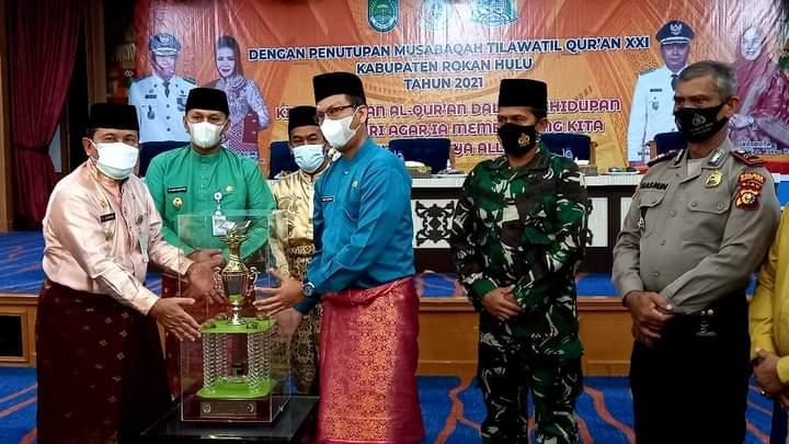 Juara Umum MTQ Ke XXI Tingkat Kab.Rohul Camat Kunto Darussalam Bangga Dengan Prestasi Khafilahnya