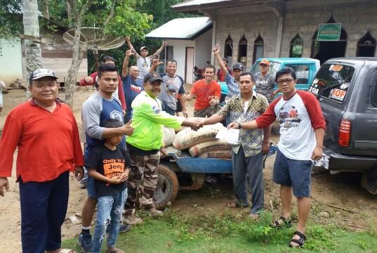 offroader-suzuki-katana-indonesia-serahkan-bantuan-rohul.jpg