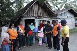Warga Penderita Tumor di Desa Rantau Sakti Mendapat Bantuan Dari Pemkab Rohul Melalui Dinsos P3A