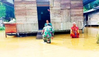 Curah Hujan Tinggi, Puluhan rumah Warga Kasang Mungkal Banjir