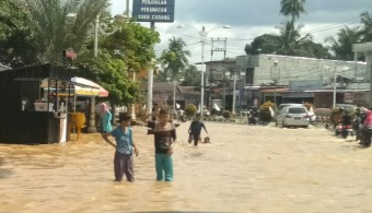 Sungai Batang Lubuh Meluap, Simpang Supra Digenangi Banjir