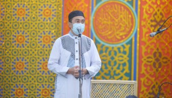 Gubernur Riau : Warga Didaerah Zona Merah Agar Shalat Dirumah