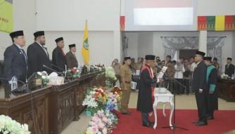 Nono Patria Dilantik jadi Wakil Ketua DPRD Rohul 2019-2024