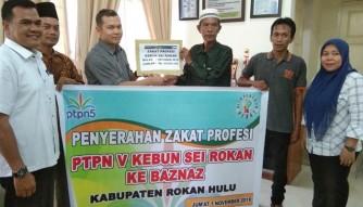 PTPN V Salurkan Rp35 Miliar Zakat 300 Karyawan ke BAZNAS Rohul