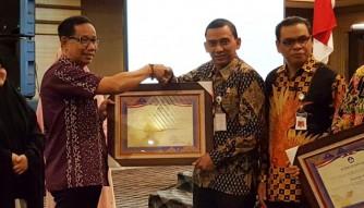 Rohul dapat Penghargaan dari Balai Bahasa Riau, Gunakan Bahasa Negara di Ruang Publik